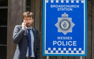 Watch Broadchurch online
